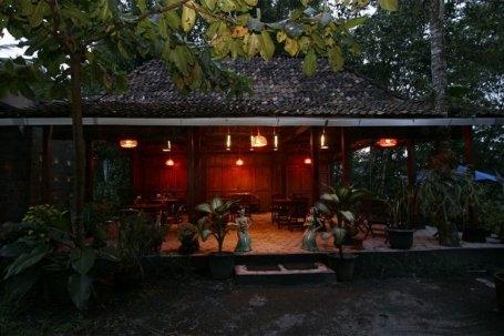 The Riverside Jogja Hotel Yogyakarta - Tampilan Luar