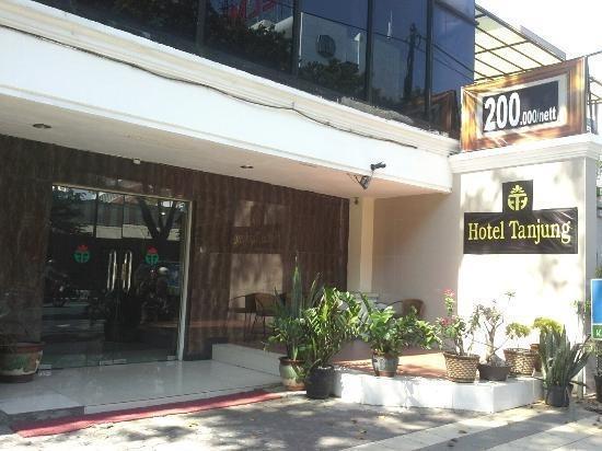 Hotel Tanjung  Surabaya - Front