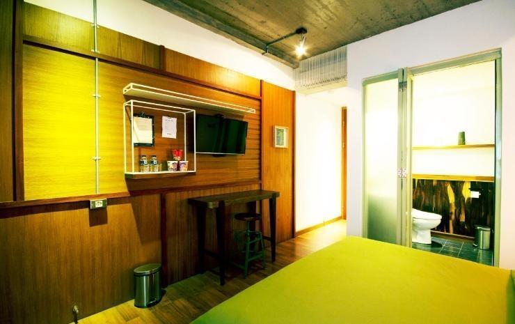 Oliver's Hostelry Bandung - Deluxe Room