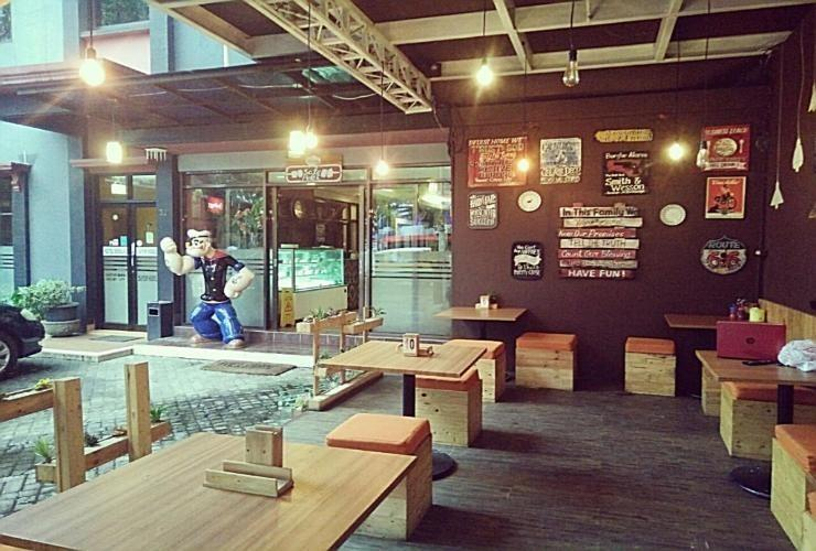 Hotel Sebelas Bandung Bandung - Restaurant