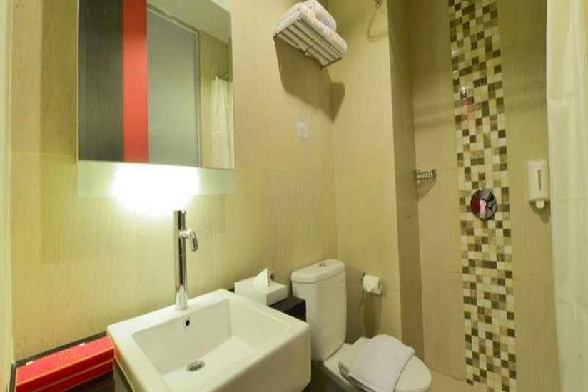 D' Hotel Jakarta - Kamar mandi