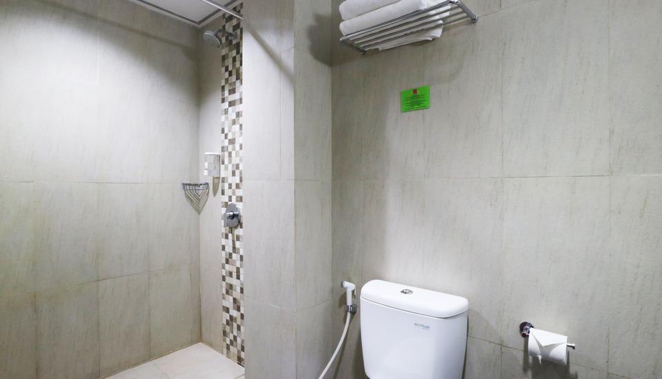 D' Hotel Jakarta - Diamond Bathroom