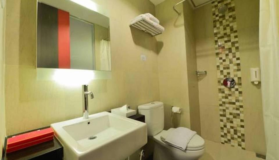 D' Hotel Jakarta - 30