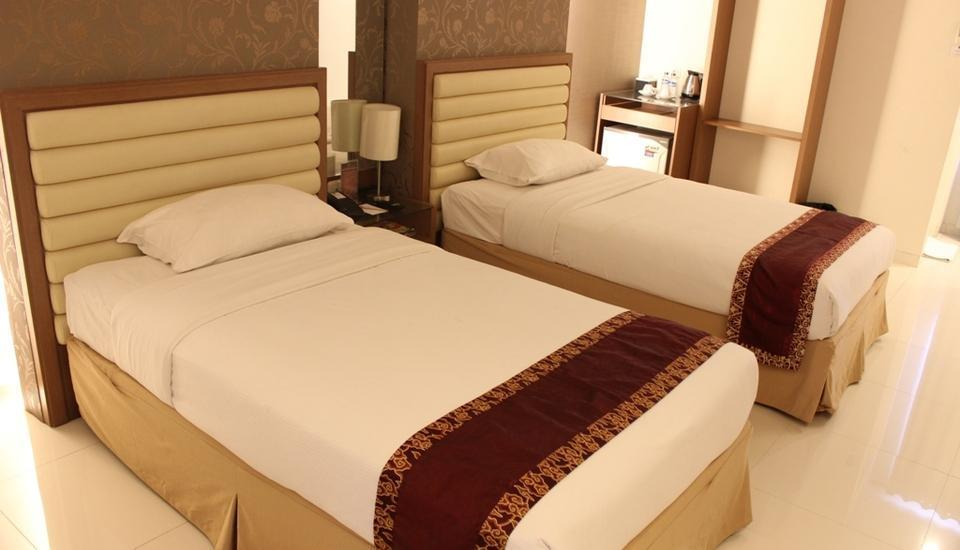 Hotel Grand Fatma Tenggarong - Deluxe Room - Twin Bed Great Sale