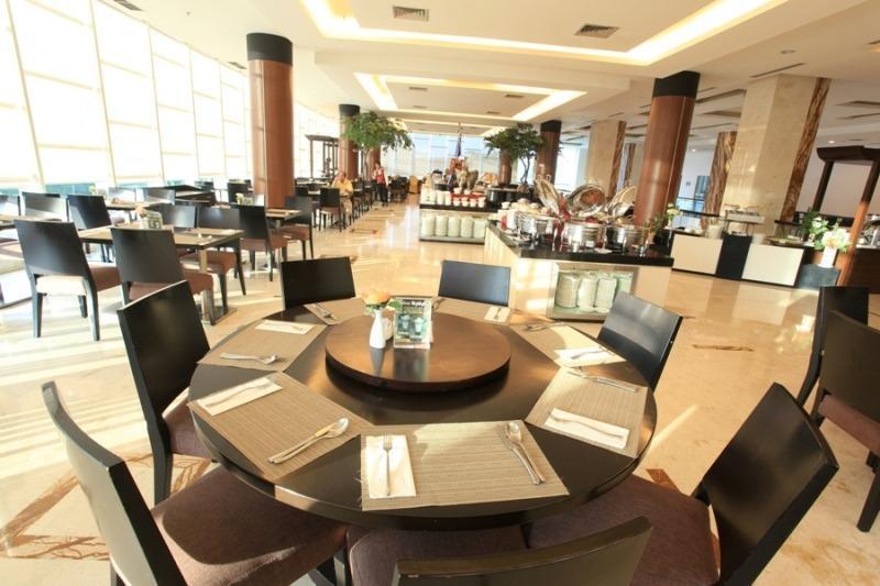 Grand Clarion Kendari - legend Restaurant