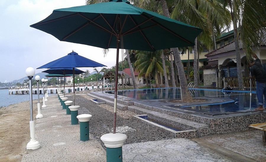 Allisa Resort Anyer - Kolam Renang