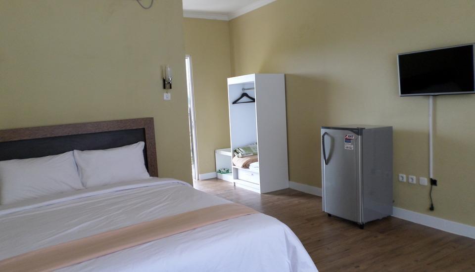Allisa Resort Anyer - Deluxe Room Lt 3 (Sea View) Regular Plan
