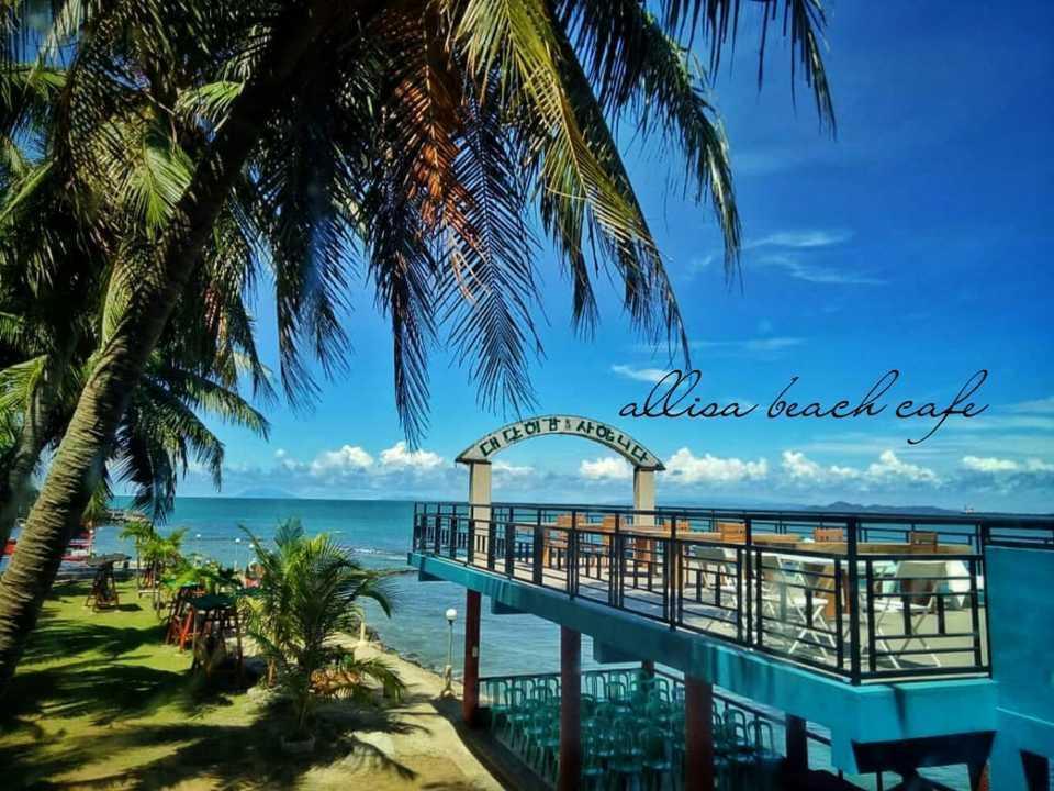 Allisa Resort Anyer - Beach cafe