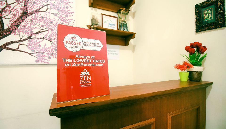 ZenRooms RSHS Syariah Bandung - Resepsionis
