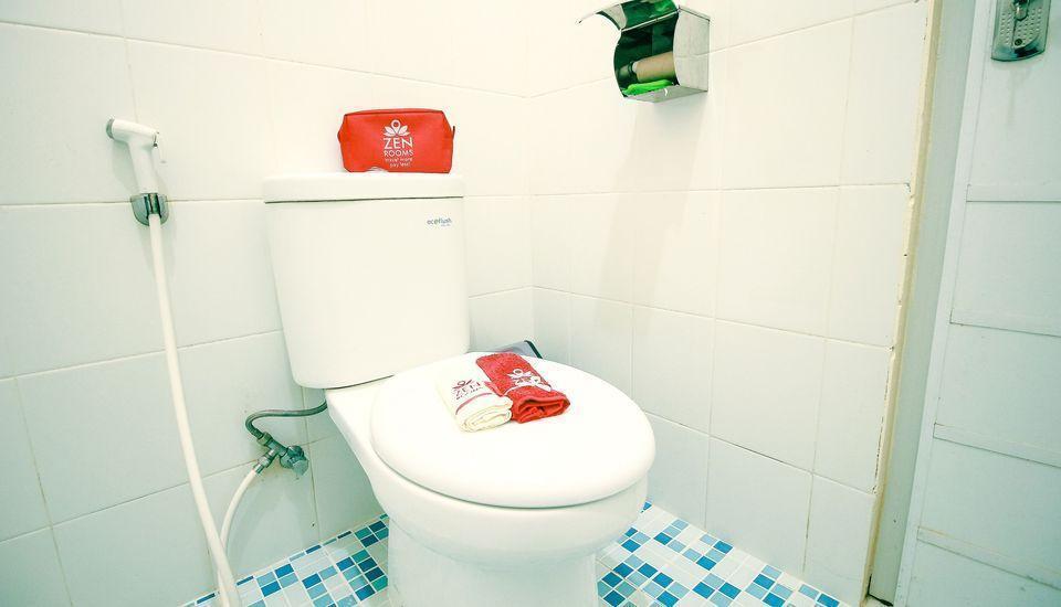 ZenRooms RSHS Syariah Bandung - Kamar mandi