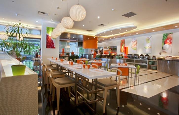 Hotel HARRIS Kelapa Gading - HARRIS Cafe