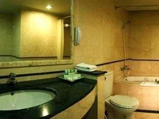 Oasis Amir Hotel Jakarta - Kamar mandi