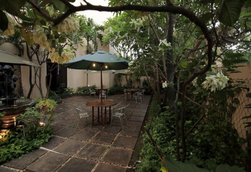 Oasis Amir Hotel Jakarta - Around Hotel/Garden View