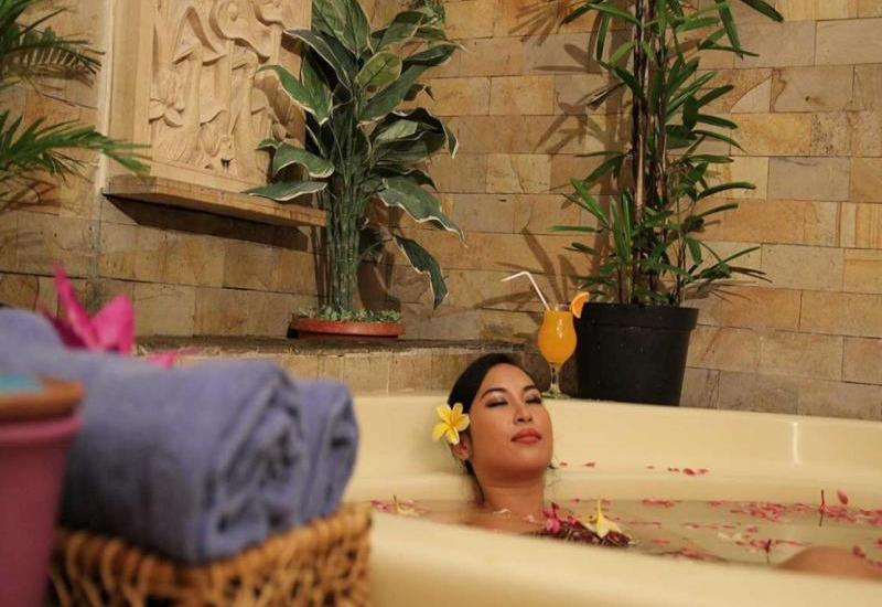 Oasis Amir Hotel Jakarta - Beauty Clinic