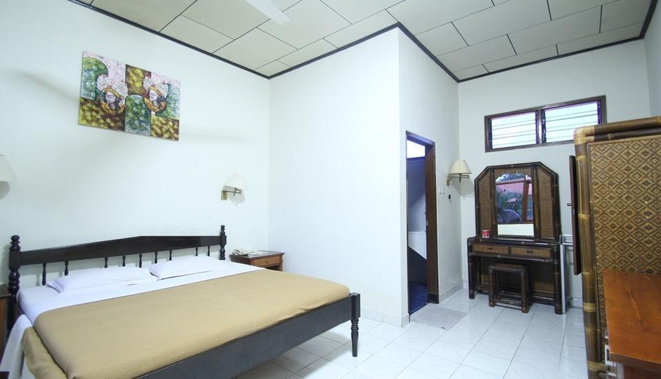 Simpang Inn Bali - Standard Room with breakfast Promo Last Minutes