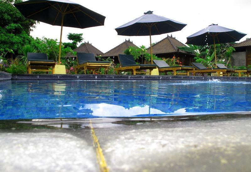 Dmas Huts Lembongan Bali - Keluar pintu Outdoor