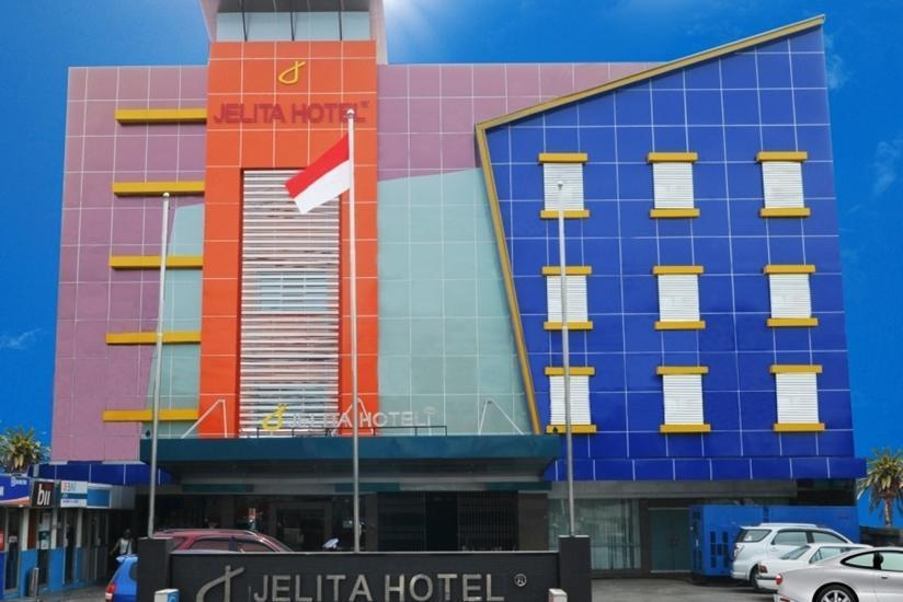 Jelita Hotel Banjarmasin - Tampilan Luar Hotel