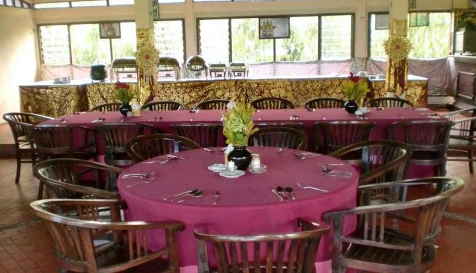 Enjung Beji Resort Bali Bali - Ruang makan