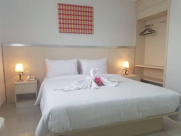 Grand Sayang Park Hotel  Makassar - kamar deluxe