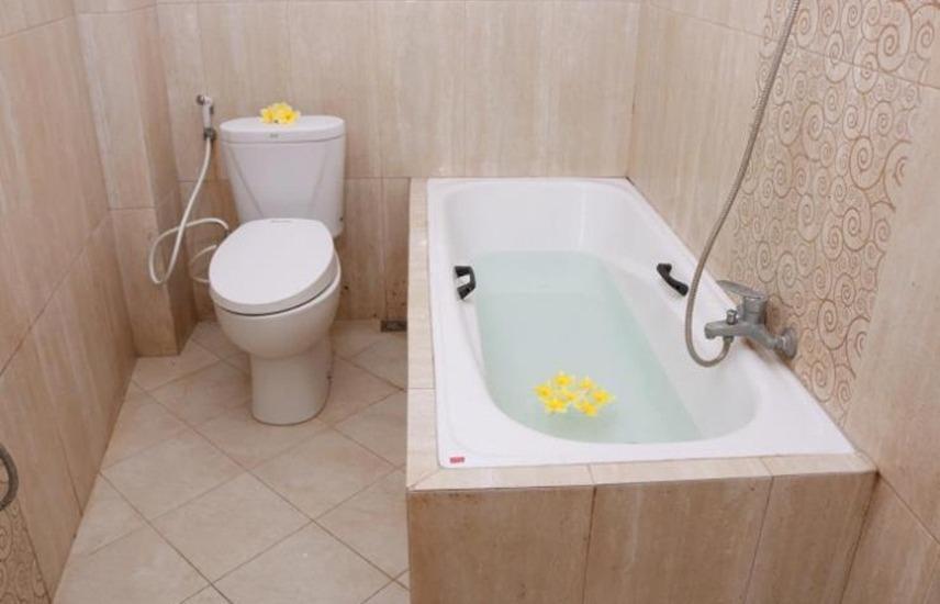 SigNature Hotel Jogja - Kamar mandi