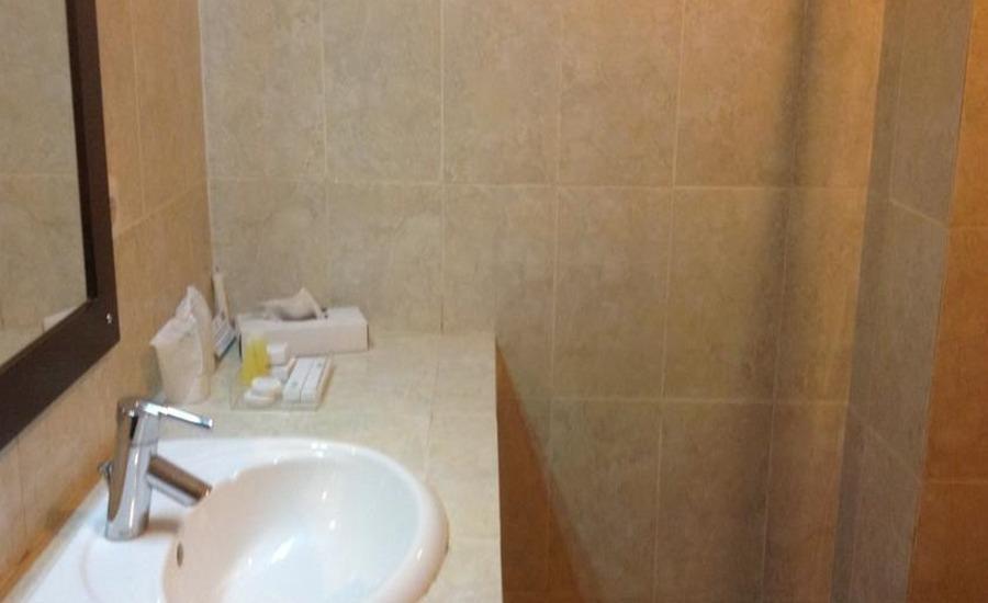 Hotel Swarna Dwipa Palembang - Kamar mandi