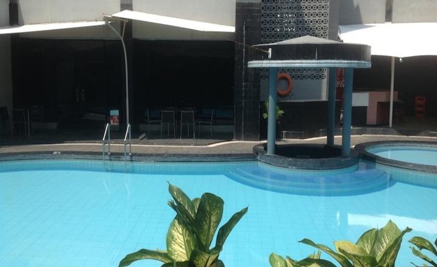 Hotel Swarna Dwipa Palembang - Kolam Renang