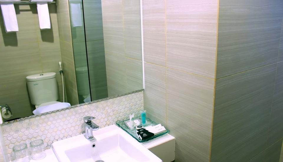 Pesonna Hotel Pekalongan Pekalongan - Bathroom