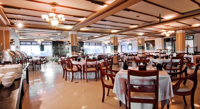 Royal Orchids Garden Hotel Malang - Restaurant