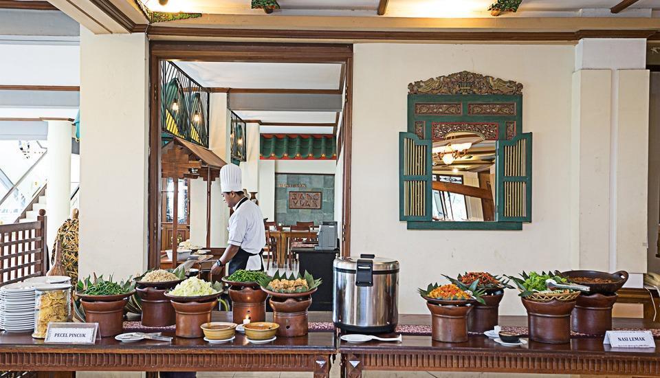 Royal Orchids Garden Hotel Malang - Sarapan Buffet