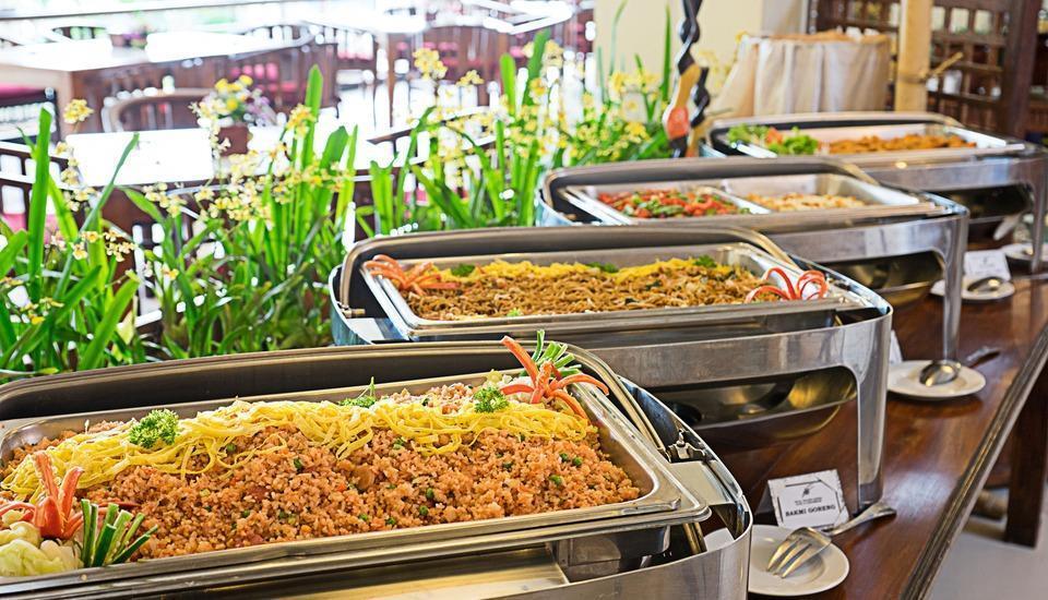 Royal Orchids Garden Hotel Malang - Menu Prasmanan