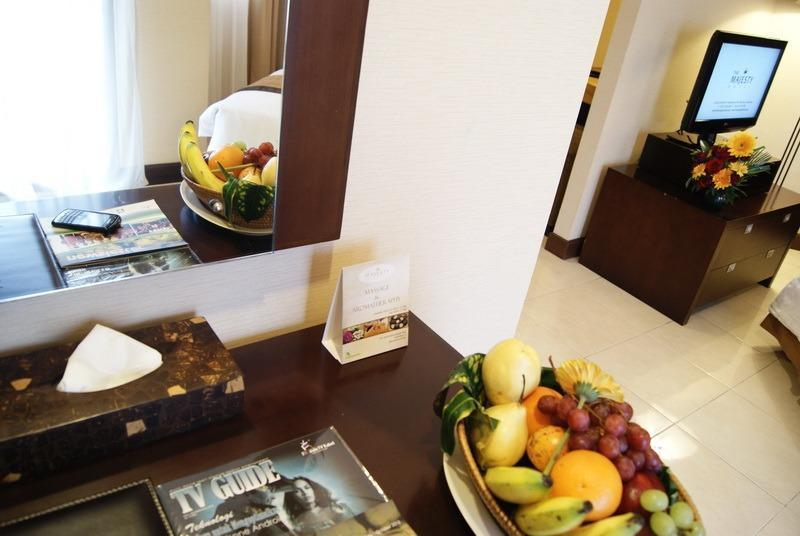 The Majesty Hotel Bandung - Grand Suite Table