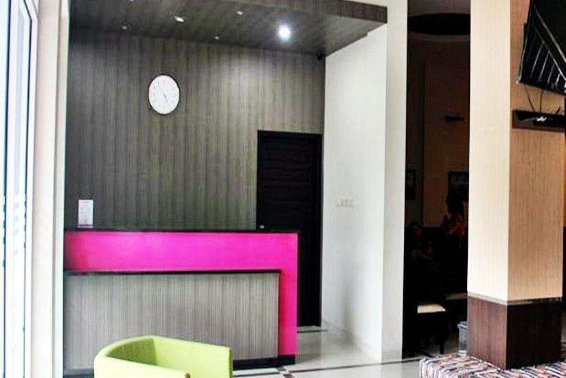 Guest Hotel Manggar Manggar - Resepsionis
