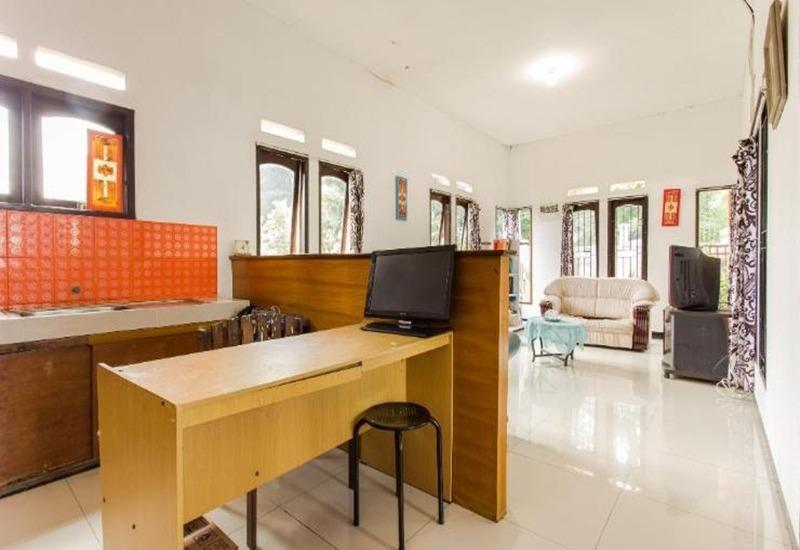 Sentosa 76 Guest House Balikpapan - Ruang tamu