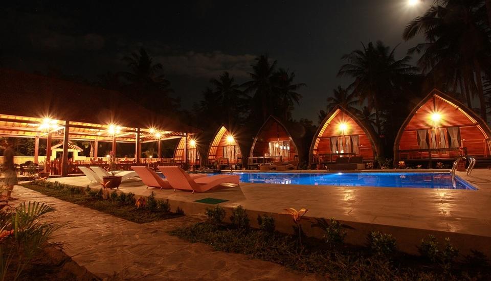 Lumbung Gede Resort Lombok - Lumbung Gede di malam hari