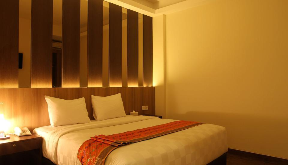 Deivan Hotel Padang - Superior Room Only Regular Plan