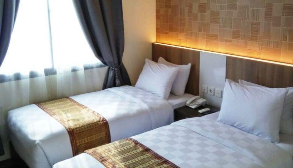 Deivan Hotel Padang - Superior Twin 3