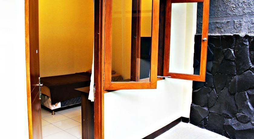 De Orange Pasteur Guest House Bandung - (25/Feb/2014)