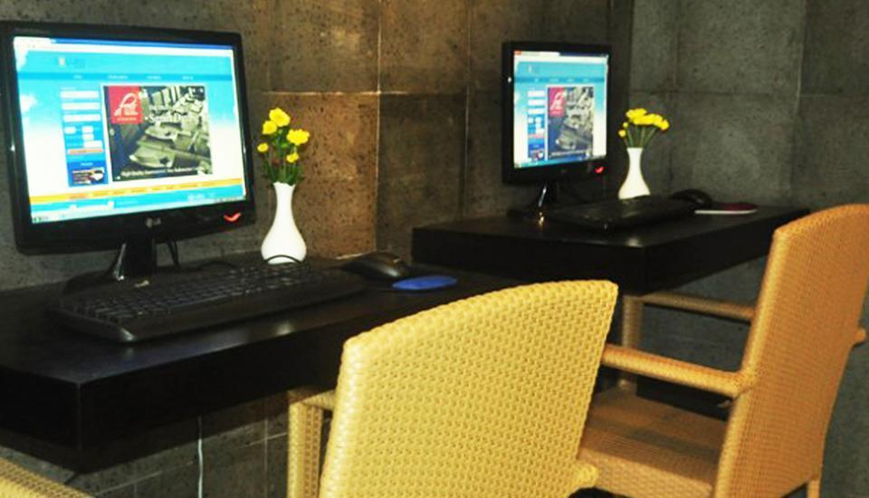 Solaris Hotel Bali - Business Center