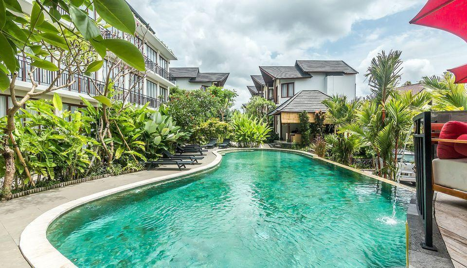 ZenRooms Ubud Sri Wedari Bali - Kolam Renang