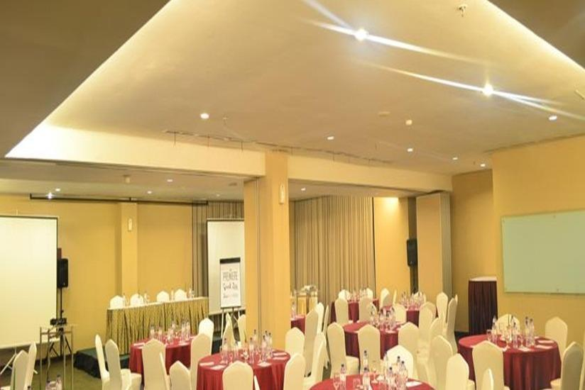Grand Zuri  Jababeka - Ballroom