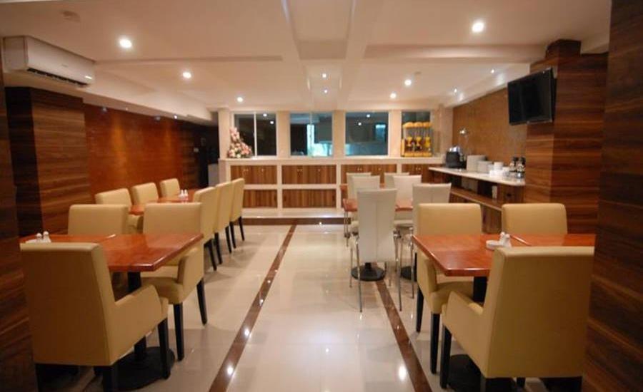Grand Kasira Hotel Kemang - Ruang makan