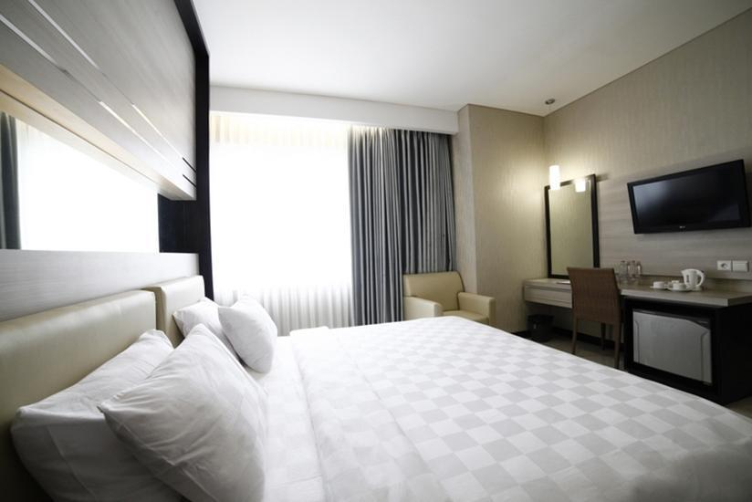 Hotel Harmoni Tasikmalaya - Junior Suite With Breakfast Regular Plan