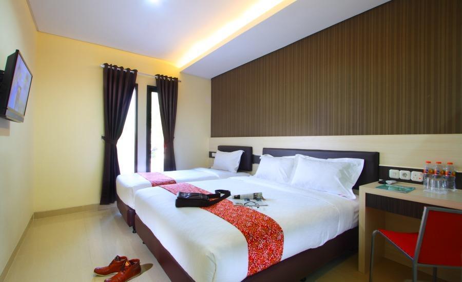 Sumi Hotel Semarang - Superior Triple - Room Only Regular Plan