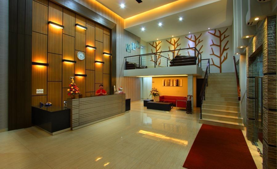 Sumi Hotel Semarang - Lobi