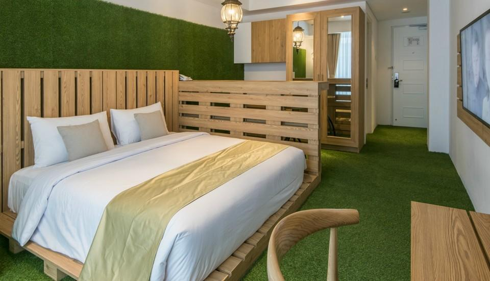 Yan's House Hotel Kuta - Deluxe Room Homeland Last Minute Offer