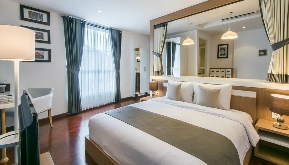 Yan's House Hotel Kuta - Premier Room - Eclectic Living Regular Plan
