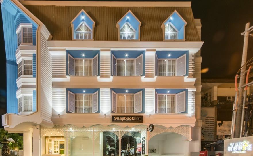 Yan's House Hotel Kuta - Depan Hotel