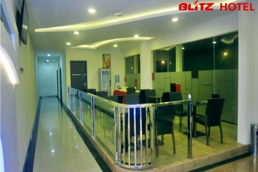 Blitz Hotel Batam - Lobi