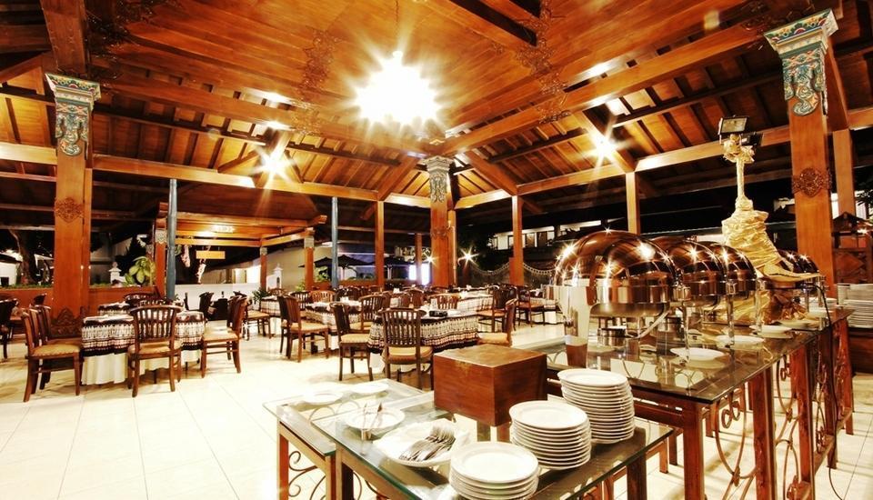 Cakra Kusuma Hotel Yogyakarta - Buffet at Joglo Restaurant