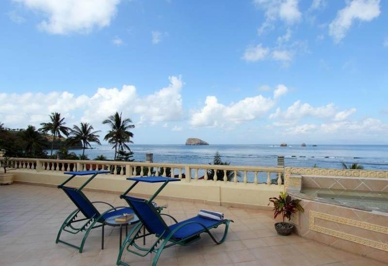 The Bali Shangrila Beach Club Bali - Pemandangan Pantai